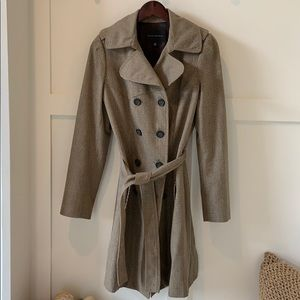 Woman's Banana Republic trench coat